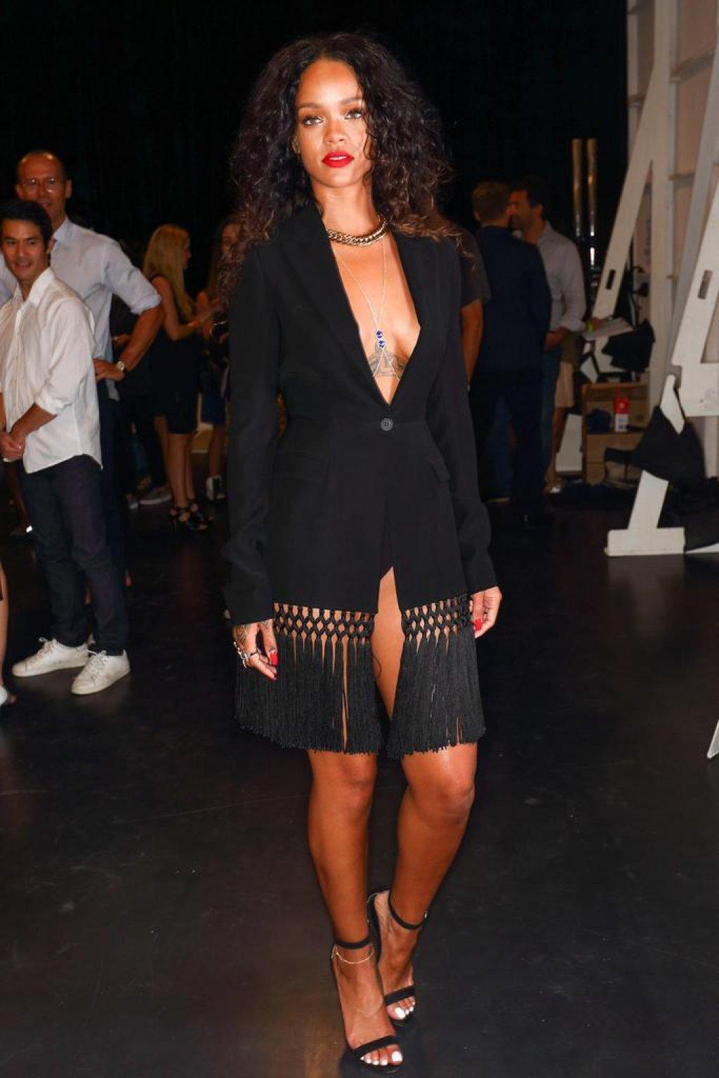 rihanna-altuzarra-spring-2015-show-black-fringed-dress-