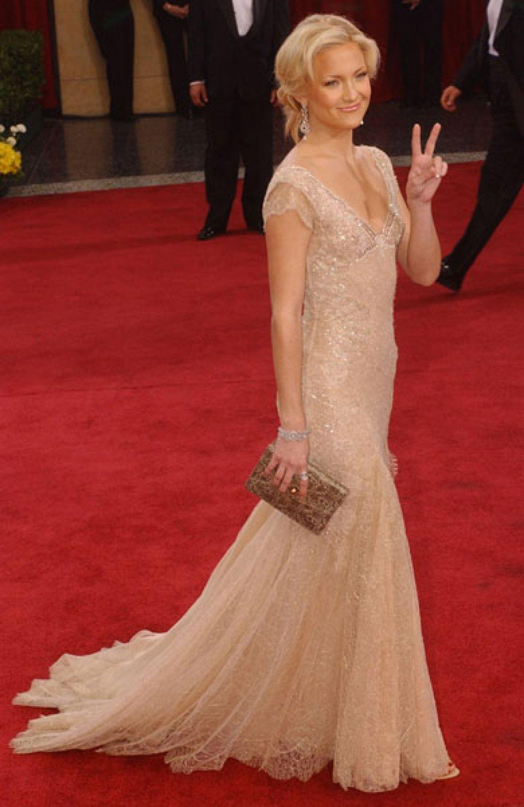 Kate Hudson wearing Versace The 75th Annual Academy Awards - Arrivals The Kodak Theater Hollywood, California USA March 23, 2003 Photo by Gus Ruelas/WireImage.com To license this image (988943), contact WireImage.com